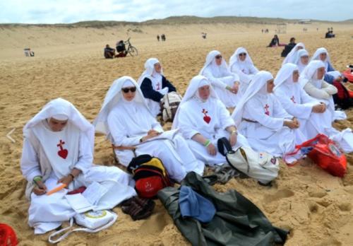 soeurs-a-la-plage