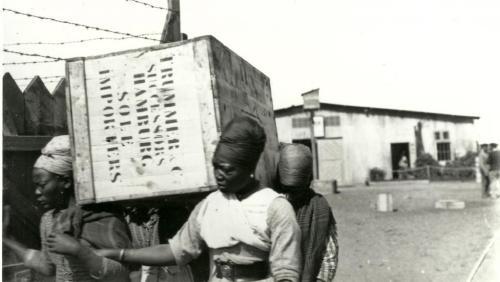 ob_a6604c_namibie-herero-travail-force-swakopmun